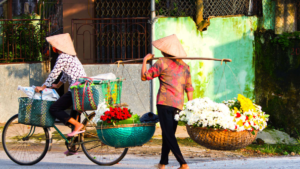 What should Travelers do and not do while traveling along Vietnam