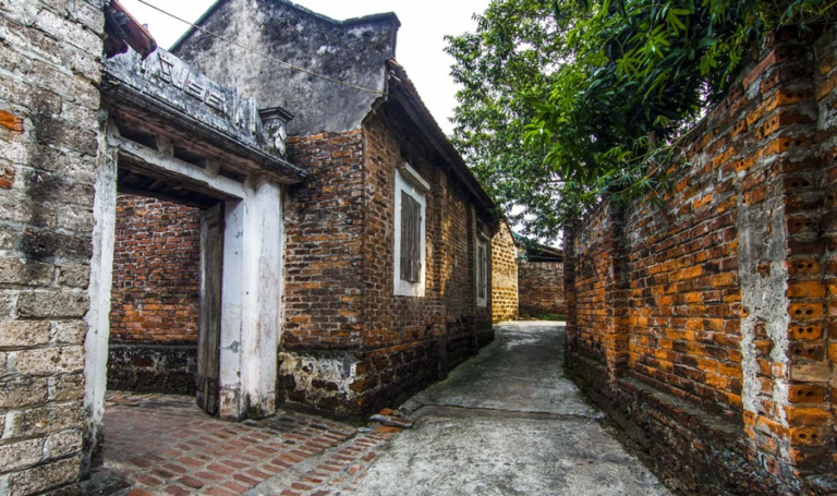 8 beautiful ancient villages for those who'd love to see an old Vietnam through journeys to the past