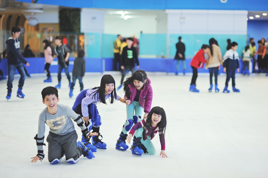 4. Vincom Ice Rink in Hanoi